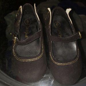 Cat & jack size 6 toddler black shoes
